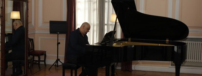 Deep emotions: próximo disco del pianista y compositor Domingo J. Sanchez