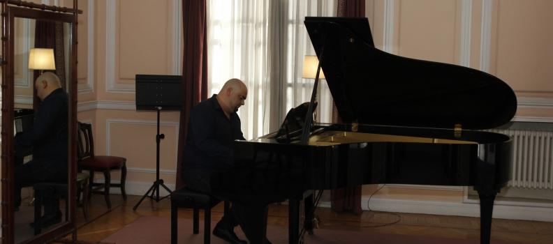 CON MI PIANO, nuevo blog del pianista Domingo J. Sánchez